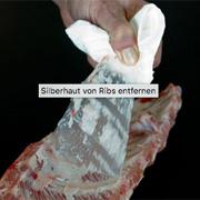 Silberhaut von Spareribs entfernen
