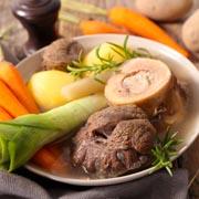 Fleischbrühe kochen