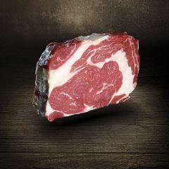 Rib Eye Steak Dry Aged 400g vom Simmentaler Rind Färse Dry Aged Beef aus Ludwigs Carnothek vier bis acht Wochen am Knochen gereift leicht durchwachsen mit charakteristischem Fettauge ideal zur Zubereitung auf dem Grill oder in der Pfanne Dry Age Rib Eye S