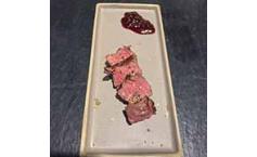 Onglet mit Rotweinschalotten
