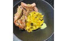 Kachelfleisch| Mango| Schwarze Oliven |