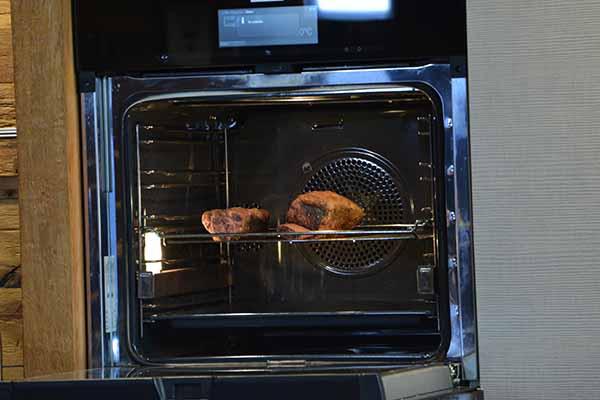 US Shortribs von DER LUDWIG werden im Ofen zubereitet