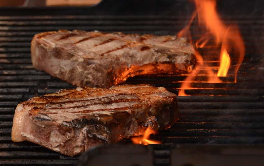 Und wann würzen Sie ihr Steak?